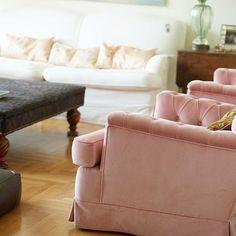Old Athens style. Because you love it! #apartment #kolonaki #interiordesign #rozivaragi #pinkfurniture #oldathens #custommadefurniture #urbanstyle #eclecticdecor #eclecticdesign