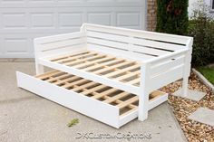 1200 Handmade Daybed and Trundle. Solid Pine wood with a white gloss finish. Beautiful addition to any guest bedroom, nursery, or reading room. Made to your specifications. Diy Daybed, Daybed With Trundle, White Daybed, Pallet Daybed, Murphy Bed Ikea, Murphy Bed Plans, Modern Murphy Beds, Bois Diy, Do It Yourself Furniture