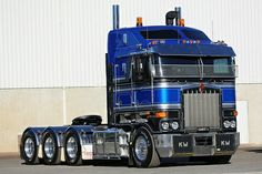 Heavy Haulage Australia - Bandit 6 Tri Drive Kenworth. By Matt via http://www.flickriver.com/groups/1195133@N22/pool/