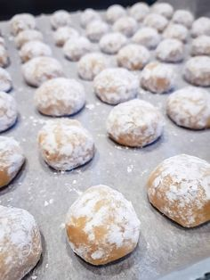 Christmas cookies Butter-cinnamon Busserl Diamant Kandis Source by Mini Desserts, Christmas Desserts, Easy Desserts, Christmas Cookies, Italian Cookie Recipes, Italian Cookies, Italian Desserts, Dessert Simple, Italian Pastries