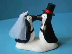 Penguin Love Cake Topper, must get for my wedding!!