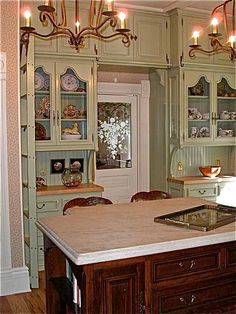 ❥ Victorian kitchen - Fox Home Design Victorian Kitchen, Victorian Cottage, Victorian Decor, Victorian Homes, Vintage Kitchen, Victorian Design, Victorian Farmhouse, Shabby Chic Kitchen, Farmhouse Kitchen Decor