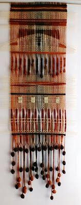 Telaresytapices : telar de lanas delgadas....fino ( 70 x 150 cms.) (La Serena) Weaving Textiles, Weaving Patterns, Tapestry Weaving, Loom Weaving, Hand Weaving, Art Textile, Weaving Projects, Sewing Art, Woven Wall Hanging