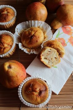 Muffin con le Pere, Noci e Mandorle