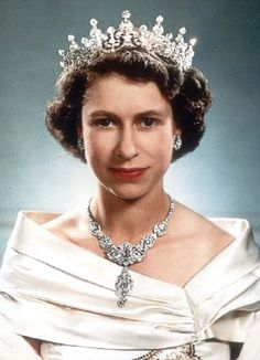 Wedding Gifts Queen Elizabeth : QE2 Diamond Wedding Crown Money Old And New Pinterest Wedding ...