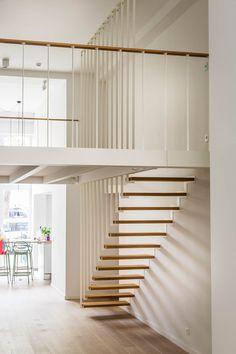 Jo-a : Up stairs -  Suspended staircase and mezzanine Escalier suspendu Up - escalier à claire voie