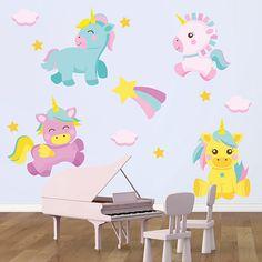 Vinilos de unicornios de colores para espacios infantiles. Un completo kit con el que puedes decorar la habitación a tu gusto.