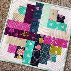 I think this is much better. Mark me as shipped. Sewing Machine Quilting, Longarm Quilting, Quilting Projects, Quilting Designs, Sewing Projects, Quilting Ideas, Small Quilts, Mini Quilts, Baby Quilts