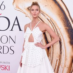 The Fashion Crowd Goes All Out For the CFDA Awards Red Carpet - http://vintagedesignerhandbagsonline.com/the-fashion-crowd-goes-all-out-for-the-cfda-awards-red-carpet/