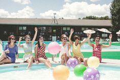 A retro-themed poolside bridal brunch styled shoot | Salt & Sky Studios: saltandskystudios.com