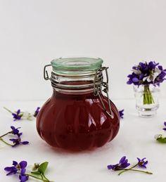 Gizi-receptjei.  Várok mindenkit.: Ibolyadzsem. Hungarian Recipes, Mason Jars, Tableware, Kitchen, Foods, Cakes, Drinks, Food Food, Drinking