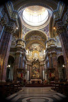 Chiesa tipo a Roma.