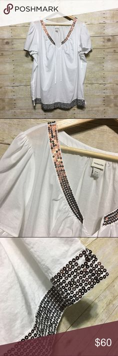 Venezia sequin trim plus size peasant top, 22/24 Venezia sequin trim plus size peasant top, sz. 22/24. Top is like new, however, there are a couple of sequins missing - not very noticeable - please see photos. Bundle discounts available! Sorry no trades 😊 Like what you see? Please check out all my listings and follow me! Instagram: dejavuapparel Pinterest: dejavuapparel  Twitter: _dejavuapparel DAV5 Venezia Tops Blouses