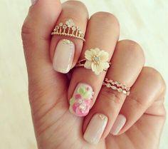 Hello miss apple nails