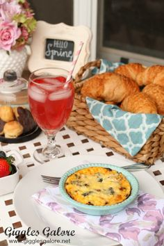 Embrace the warmer weather, set up a bistro table outside, create a simple Parisian inspired menu with bright touches of spring and enjoy brunch with someone special! #michaelsmakers #partyideas #parisparty #brunch #springparty