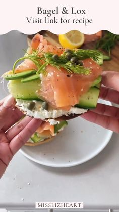 ✨bagel ✨cream cheese ✨avocado ✨cucumber ✨smoked salmon (lox) ✨dill ✨capers ✨everything but the ✨bagel seasoning ✨lemon juice Steps (1) toast the bagels (2) add cream cheese (3) add cucumbers, avocado, lox dill, lemon and caspers! Enjoy ✨