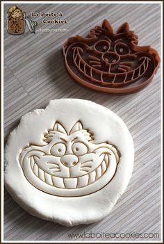 Emporte-pièce Chat de Cheshire - Alice au pays des merveilles. Cookie Cutter Cheshire Cat - Alice in Wonderland - LaBoiteACookies.com