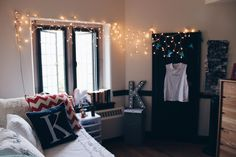 A place for college students to get decoration inspiration, advice, and showcase their own dorm. Cool Dorm Rooms, College Dorm Rooms, College Life, University Dorms, Princeton University, Princeton Campus, Rooms Home Decor, Bedroom Decor, Bedroom Ideas