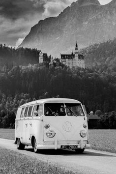 Vw - bus - Black and white