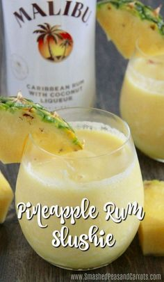 Pineapple Rum Slushie - Blender - Ideas of Blender - Hello warm weather! Today I'm sharing the ultimate summer drink the Pineapple Rum Slushie! This has been my go-to drink lately as it tastes like a pina colada but with a lot less calories! Summer Drink Recipes, Alcohol Drink Recipes, Cocktail Recipes, Fun Summer Drinks Alcohol, Slushy Alcohol Drinks, Rum Punch Recipes, Blended Alcoholic Drinks, Tropical Alcoholic Drinks, Summer Mixed Drinks