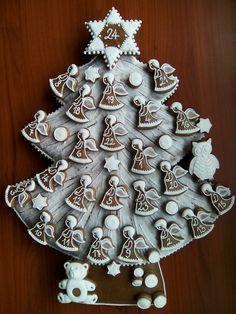 Perník. Adventní kalendář MB 2017 Christmas Gingerbread, Christmas Candy, Gingerbread Cookies, Christmas Cookies, Christmas Calendar, Advent Calendar, Cookie Gifts, Amazing Cakes, Cookie Decorating