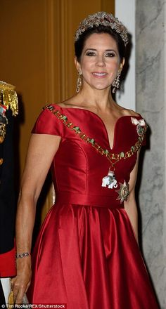 Princess Mary stuns at New Year's reception in Copenhagen | Daily Mail Online