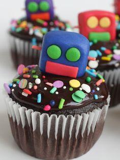 fondant robot cupcakes