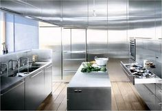 gorgeous japanese kitchen design with modern furnishing: stainless steel modern japanese kitchen style with wooden floor and sleek kitchen island Kitchen Cabinet Interior, Metal Kitchen Cabinets, Kitchen Island, Stainless Steel Kitchen Design, Japanese Kitchen, Küchen Design, Interior Design, Design Ideas, Small House Design