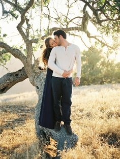 Engagement session in California's golden light captured by Jake Anderson - via Magnolia Rouge