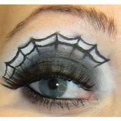 For Halloween - Spider web eyeshadow! Be a witch for Halloween! Citouille Halloween, Halloween Spider Makeup, Holidays Halloween, Halloween Clothes, Spider Costume, Hallowen Ideas, Manualidades Halloween, Halloween Disfraces, Eye Make Up
