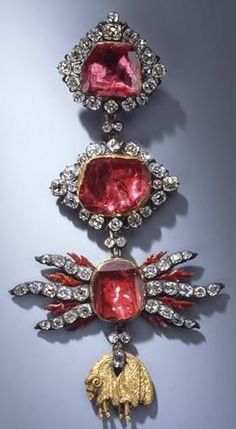 Golden Fleece Order, neck badge, rubies, diamonds, gold, enamel,  17.9 x 9.5 cm, 1722, workshop of Johann Melchior, Dresden State Art Collection.