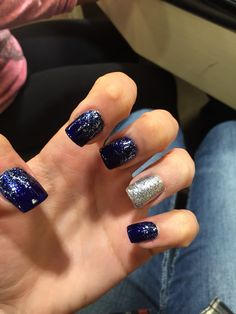 Navy blue prom nails