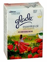 Glade Essential Red Honeysuckle Nectar Electric Refill Glade Essential Oil contains natural plant oils that offer you a distinctive fragrance. Glade is the fragrance you are looking for to consistently and evenly freshen your home! Air Freshener, Scented Candles, Health And Beauty, Essential Oils, Household, Electric, Fragrance, Plant, Natural