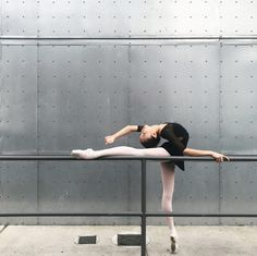 If we are going to fight, let's fight for each other! Dance Photography Poses, Dance Poses, Ballet Pictures, Dance Pictures, Dance Movement, Ballet Beautiful, Ballet Dancers, Ballerinas, Just Dance
