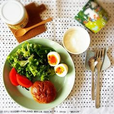 """和食にも洋食にも!イッタラ・ティーマの新色""""セラドングリーン""""を使った食卓まとめ"""