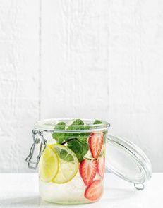 Eau Detox Detox water Fraise + Citron + Menthe