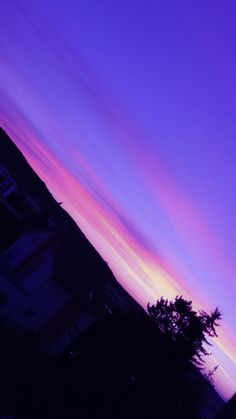 - Wallpaper World Sky Aesthetic, Purple Aesthetic, Aesthetic Photo, Aesthetic Pictures, Wallpaper World, Sunset Wallpaper, Purple Wallpaper, Pretty Sky, Beautiful Sky