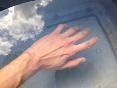 hand, pale, and veins image Hand Reference, Anatomy Reference, Pose Reference, Aesthetic Body, Daddy Aesthetic, Pretty Hands, Beautiful Hands, Arm Veins, Design Page
