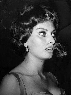 Sophia Loren's brows are Marlene Dietrich, Brigitte Bardot, Timeless Beauty, Classic Beauty, Carlo Ponti, Smoking Is Bad, Greta, Italian Beauty, Classic Actresses