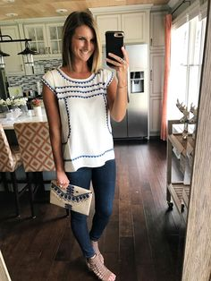 Preschool teacher outfit fresh embroidered white and royal blue shirt with embroidered clutch and - Gayo Maxx White Top Outfit Summer, Summer Photo Outfits, Summer Teacher Outfits, Casual Summer Outfits, Spring Outfits, Cute Outfits, Spring Dresses Casual, Work Outfits, Stitch Fix Outfits