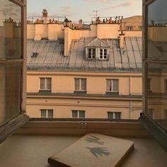 Paris aesthetic beige - image by emily에밀리