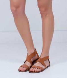 Sandália feminina    Material: sintético    Rasteira    Marca: Satinato         COLEÇÃO VERÃO 2017         Veja outras opções de    sandálias femininas.            Sobre a marca Satinato         A Satinato possui uma coleção de sapatos, bolsas e acessórios cheios de tendências de moda. 90% dos seus produtos são em couro. A principal característica dos Sapatos Santinato são o conforto, moda e qualidade! Com diferentes opções e estilos de sapatos, bolsas e acessórios. A Satinato também…