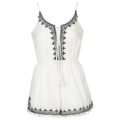 TOPSHOP PETITE Lily Tassel Playsuit (660 ARS) ❤ liked on Polyvore featuring jumpsuits, rompers, playsuits, dresses, tops, jumpsuit, white, petite, petite jumpsuit y white jumpsuit