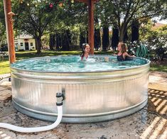 Stock Tank Swimming Pools Are the Easiest (And Trendiest) Way to Beat the Heat This Summer Stock Pools, Stock Tank Pool, Diy Pool, Swimming Pools Backyard, Swimming Pool Designs, Backyard Landscaping, Redneck Pool, Metal Pool, Gardens