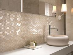 Wall tiles for the bathroom – 30 modern tiles designs and trends from Italy Wandfliesen fürs Bad – 30 moderne Fliesen Designs und Trends aus Italien - Marble Bathroom Dreams Bathroom Flooring, Bathroom Wall, Small Bathroom, Marble Bathrooms, Beige Bathroom, Bathroom Design Luxury, Bathroom Designs, Bathroom Ideas, Tile Design