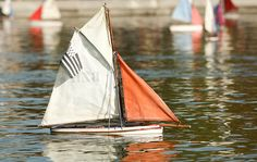 Sailing at Jardin du Luxembourg