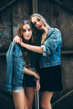 Two of the HAIM sisters show their Trucker love.