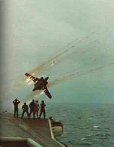 RP fired from Buccaneer alongside HMS Ark Royal. Mid A spectacular morale booster for those working on deck Military Jets, Military Aircraft, Fighter Aircraft, Fighter Jets, Image Avion, Blackburn Buccaneer, Royal Navy Aircraft Carriers, Hms Ark Royal, Photo Avion