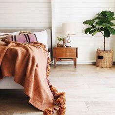 Modern Bohemian Home Interior Decor Ideas. Inspirational Modern Bohemian Home Interior Decor Ideas. Boho Chic Style Living Room Modern Bohemian Home Decor Modern Bohemian Decor, Diy Home Decor Rustic, Modern Decor, Bohemian Style, Boho Chic, Shabby Chic, Home Decor Bedroom, Living Room Decor, Bedroom Inspo