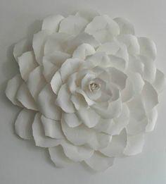 Скульптура Роуз бумаги